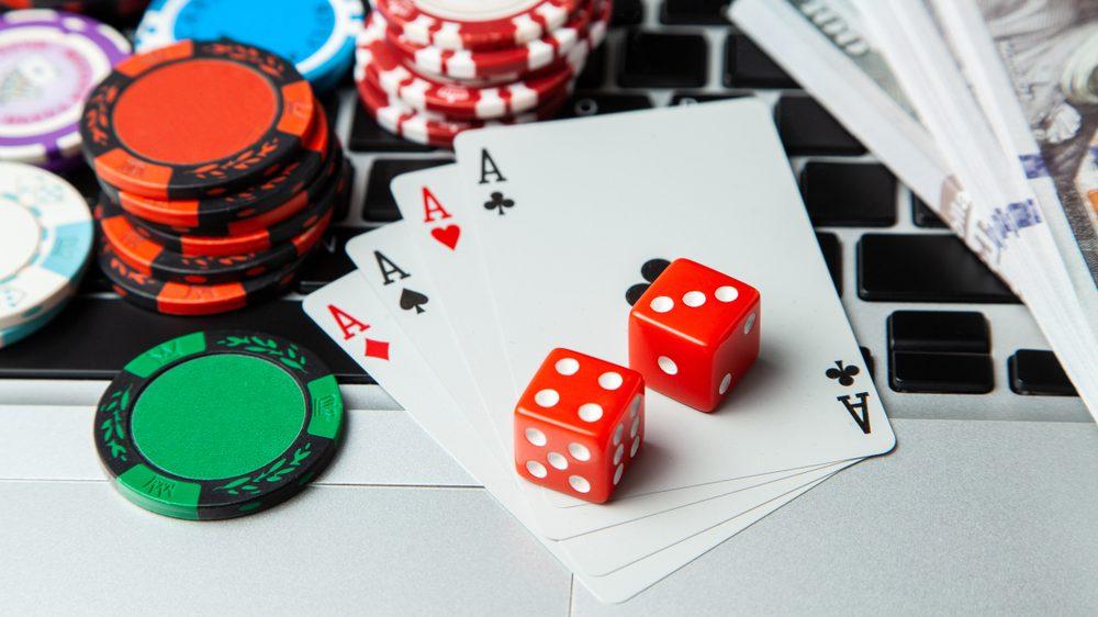 พื้นฐานการเล่นไพ่ สามารถต่อยอดการทำเงินจากคาสิโนออนไลน์ได้ไหม
